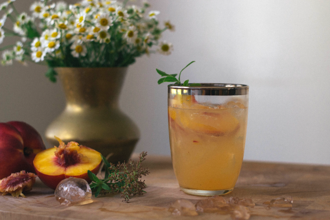 nectarine-lemon-verbena-smash